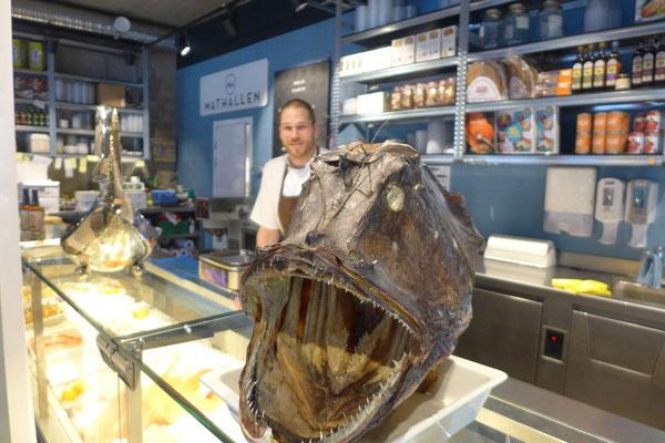 Im Mathallen gibt's frischen Fisch zu kaufen