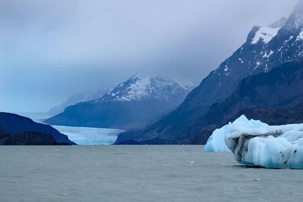 Gletscherblick durchs Tele am Mirador Grey