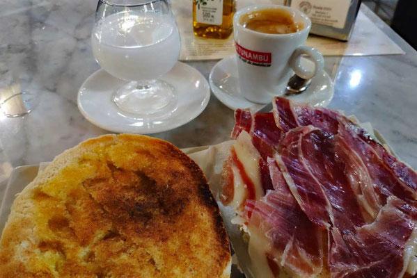 Frühstück auf Spanisch in Sanlucar