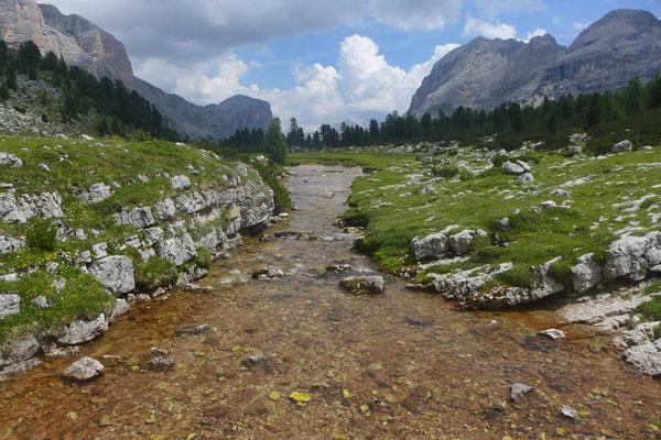 Dolomiten-Höhenweg Nr. 1 Richtung Fanes Alm
