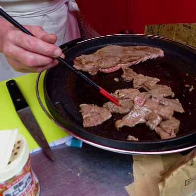 Zartestes Koberind vom Grill, Tokio Tsukiji Outer Market
