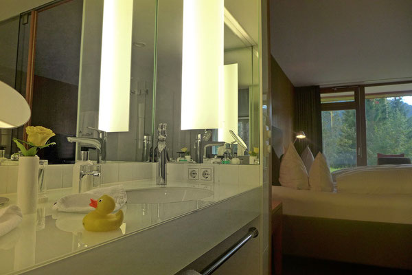 Badezimmer im Kranzbach Hotel