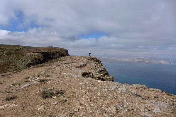 Auf dem Kliff-Plateau angekommen – Famara Kliff-Wanderung Lanzarote