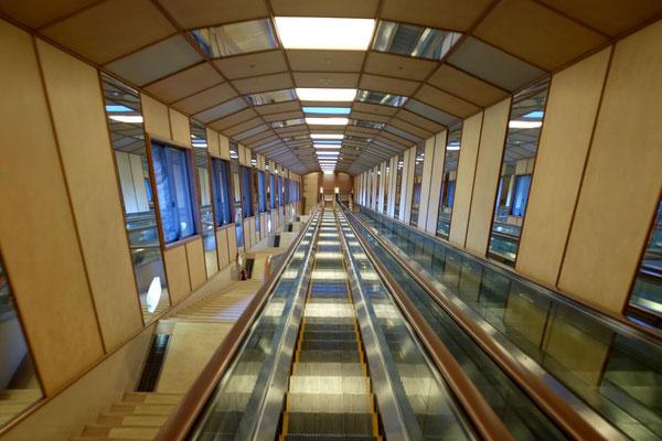 Hotelrolltreppe im Urashima, Katsuura