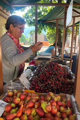 Marktfrau in Bovec