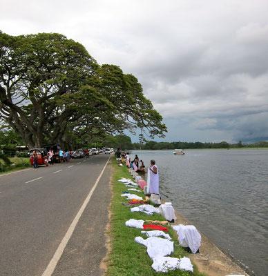 Familienausflug am Tissa Wewa, Sri Lanka