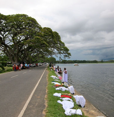 Tissamaharama washing day Tissa Wewa lake, Sri Lanka