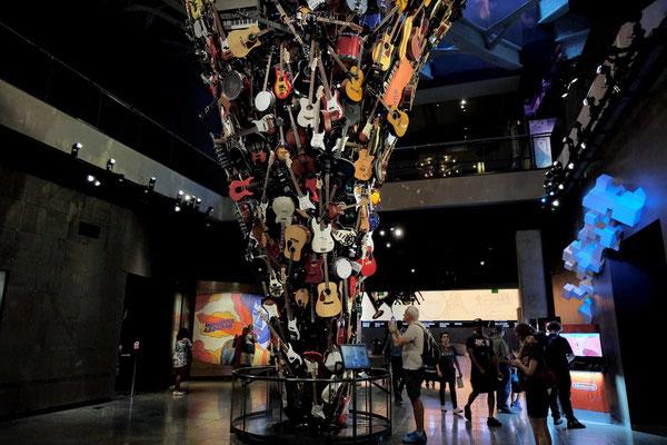 Die Gitarren-Sammlung im Museum of Pop Culture Seattle