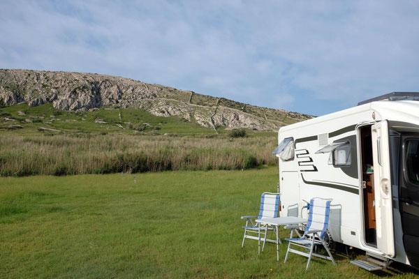 Schöne große Plätze am Camp Sv Duh Insel Pag