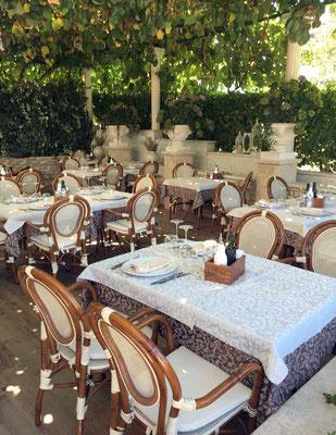 Terrasse mit Pergola Restaurant Toni Umag, Istrien