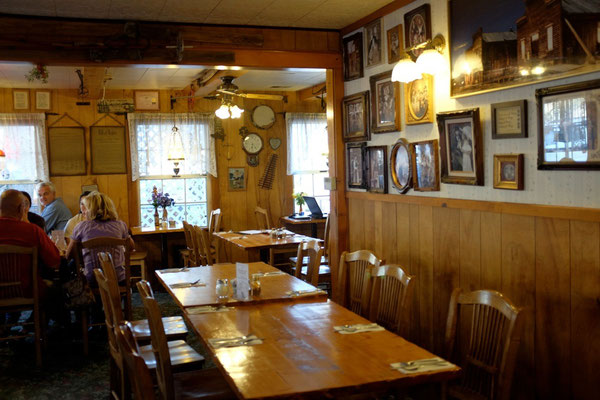 Dining Restaurant Virginia Creek Settlement
