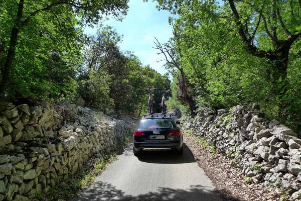Enge Straße nach Lubenice, Cres