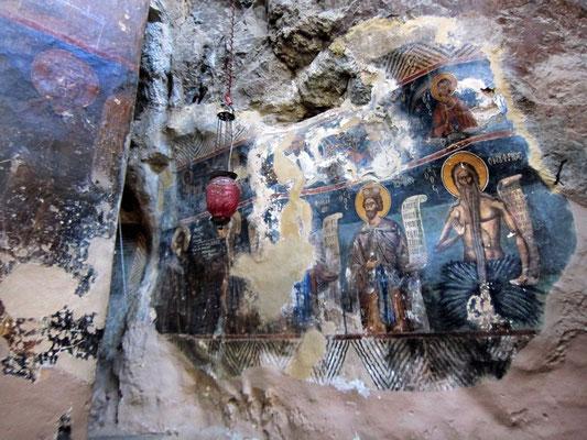 Höhlenräume im Kloster Prodromou