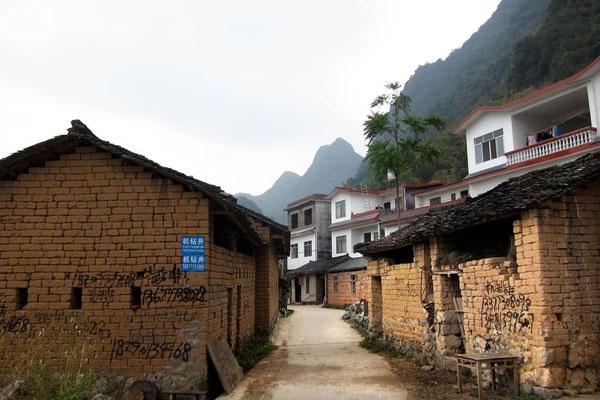 In die alten Dörfern kommt mehr Wohlstand und neue Häuser