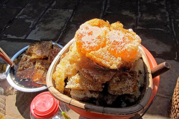 Honigwaben auf dem Shaxi Markt