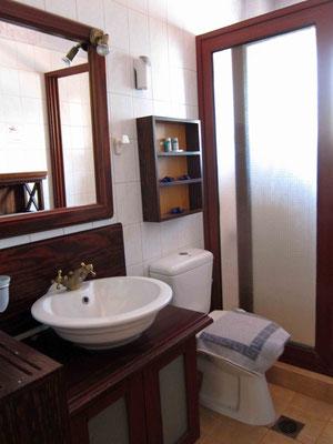 Unser Bad – Akrotiri Rooms Porto Kagio, Mani Peloponnes