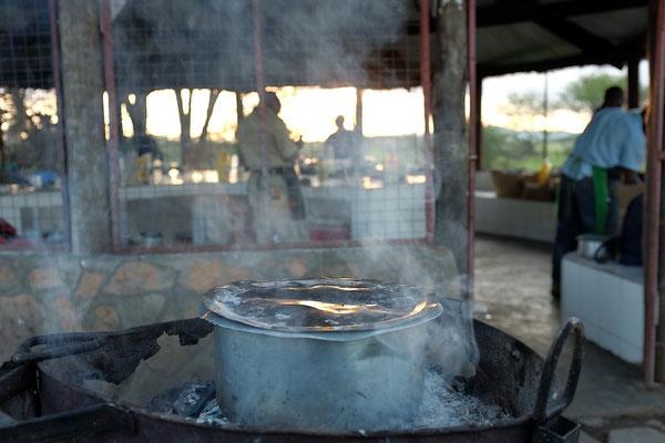 Küche auf der Pimbi Campsite Serengeti Tansania