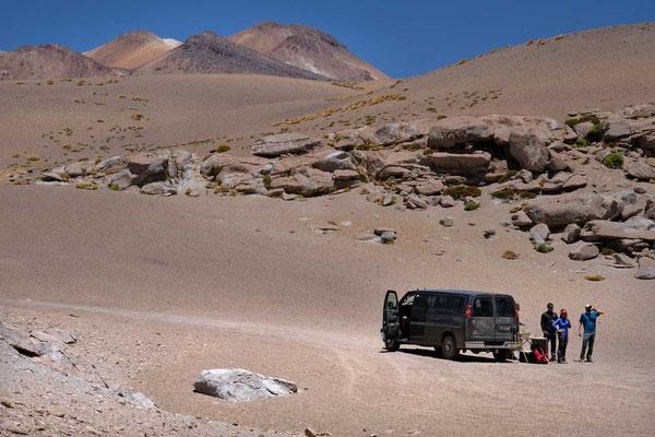 Der explora Bus erwartet die Wanderer, Atacama