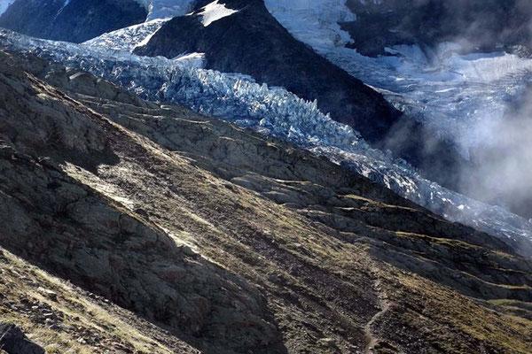 Wanderweg von Nid d'Aigle zum Refuge de Tête Rousse am Bionnassay Gletscher