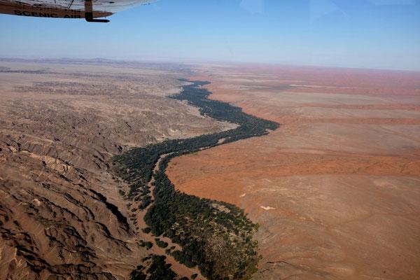 Kuiseb Canyon trennt die zwei Wüsten, Namibia