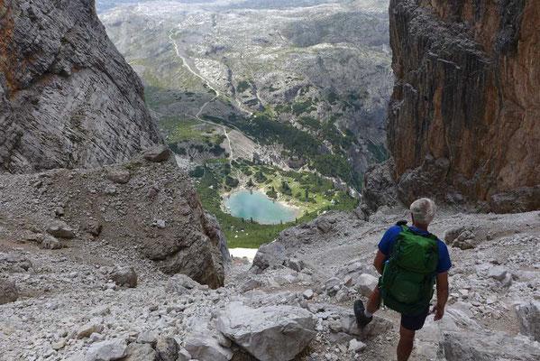 Blick aus der Forcella del Lago Scharte über die Lagazuoi Alpe