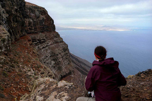 1. Ausblick am  Mirador La Caldera aufs südliche Lanzarote und den Feuerbergen