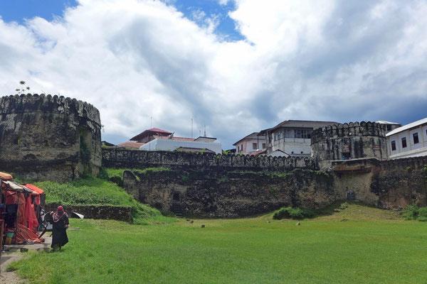 Im Old Fort in Stone TowForodhani Gardensn