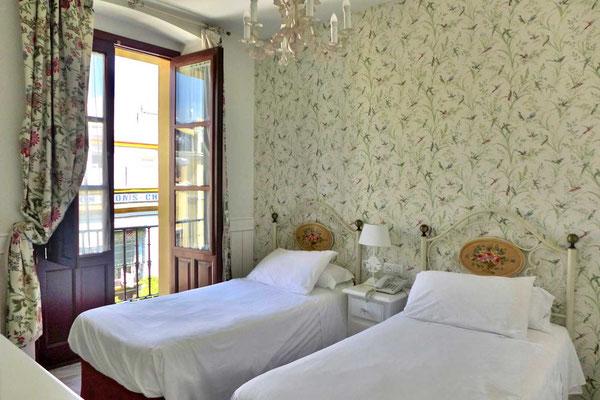 Zimmer Hotel Puerto de Sevilla