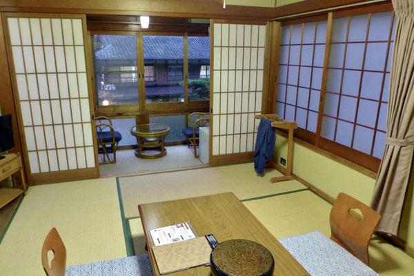 traditionelles japanisches Zimmer Ryokan Adumaya in Yunomine am Kumano Kudo