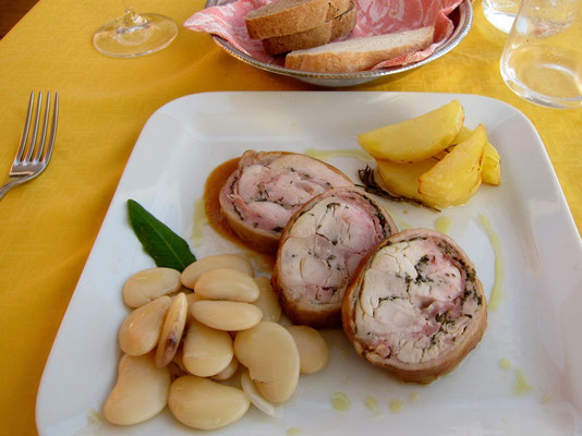 Gefülltes Kaninchen, Castelnuovo Magra Trattoria Armanda, Ligurien