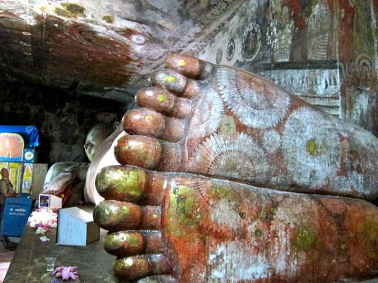 Riesen Buddha Dambulla Höhlentempel Sri Lanka
