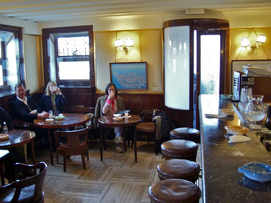 Auf einen Bellini in die Harry's Bar, Venedig