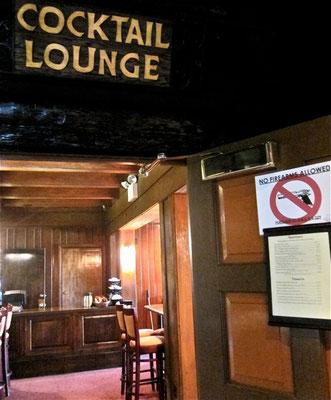 In der El Tovat Hotelbar gilt Waffenverbot