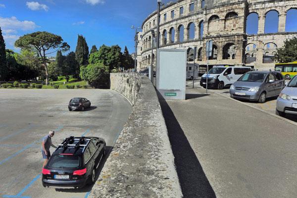 Parkplatz an der Arena von Pula