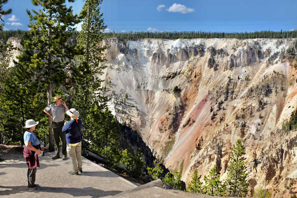 Yellowstone Canyon Ranger Walk