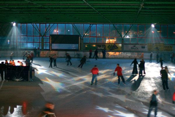 Eislaufhalle