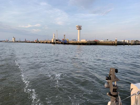Um 05:30 Uhr am nächsten Morgen geht es dann los rund um das Wattenmeer ... Cuxhaven habe ich nun hinter mir gelassen ... schonmal weiter als 2017!
