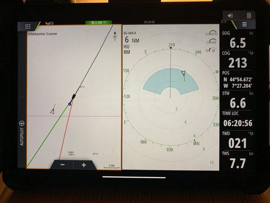 Unterwegs habe ich das AIS und den Radar an ... beide sollen mich warnen, falls andere Boote in die Nähe kommen ...