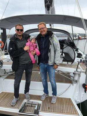 Zwei Tage waren Manuel, Anne, Lorenz, Hugo und die kleine Tilla zu Besuch auf dem Boot (Platz ist in der kleinsten Hütte :o))