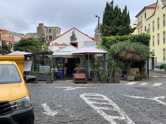 Ein erster Rundgang durch die Altstadt von Funchal begeistert mich sofort ... eine bunte und interessante Stadt anscheinend ... hier werde ich mich in den kommenden Tagen mal intensiver umschauen!