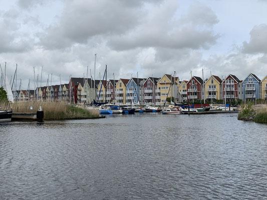 Abfahrt aus Greifswald ... der idyllische kleine Hafen bleibt hinter uns ...