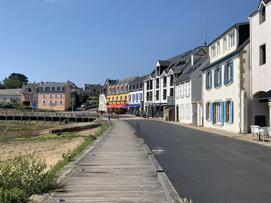 Camaret-sur-mer ist ein netter kleiner Ort ... nach einem kleinen Lebensmitteleinkauf ...