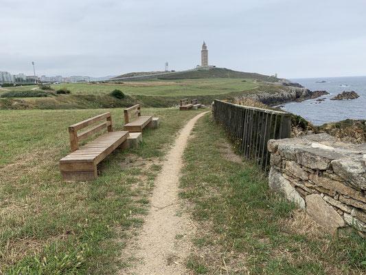 Der Torre ist ein Leuchtturm der schon auf die alten Römer zurückgeht ... der dazugehörige Park mit ein paar Skulpturen ist ganz nett ...