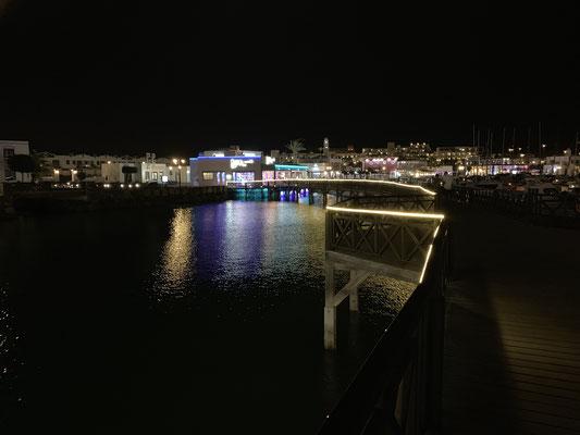 ... aber trotz der vielen Restaurants und Geschäfte ist es Nachts dann sehr ruhig ...