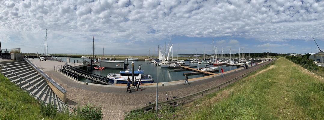Der Hafen Vlieland hatte reichlich Platz und ist ein recht idyllischer kleiner Hafen.