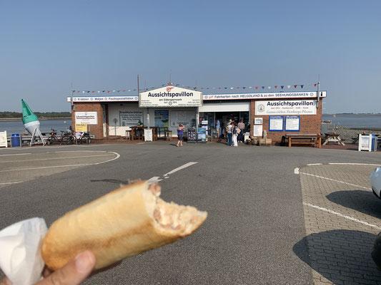 ... bis Sankt Peter Ording ... einmal die Füße in die Nordsee halten .. und am Eider-Sperrwerk ein Krabbenbrötchen essen (sehr lecker)!