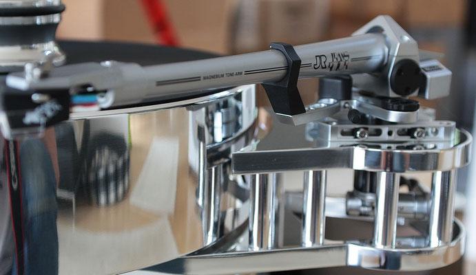 SME 5009: das ist der exklusiv für TR gefertigte Arm: Magnesiumrohr, Lager und Verkabelung des 5er