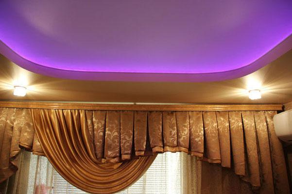 Натяжной потолок с подсветкой Липецк