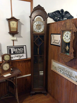 The Colonial Clocks were manufactured by Colonial of Zeeland