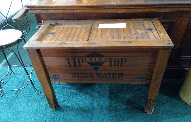TIP TOP Soda water dispenser (photo by Arlene)